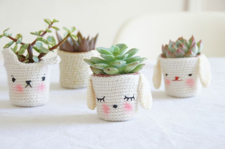 Crochet Kawaii cute pot holders covers. Not in English but pretty easy to unders...