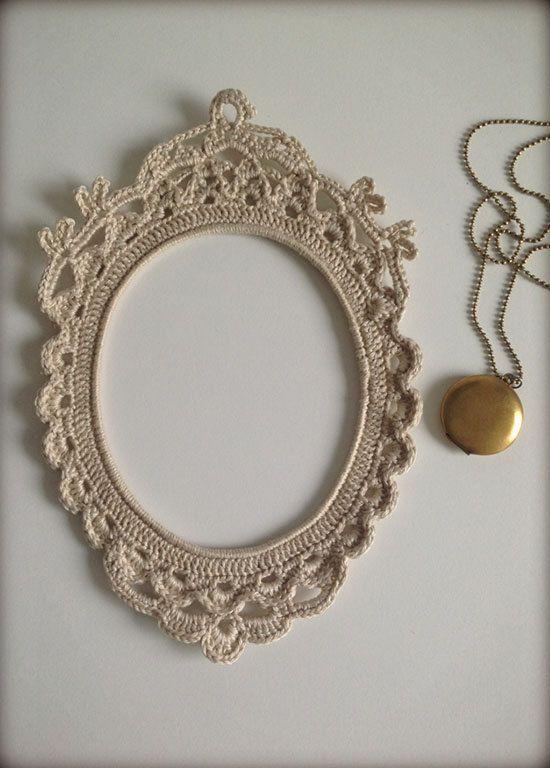 Crochet frame by HandKlappa on Etsy