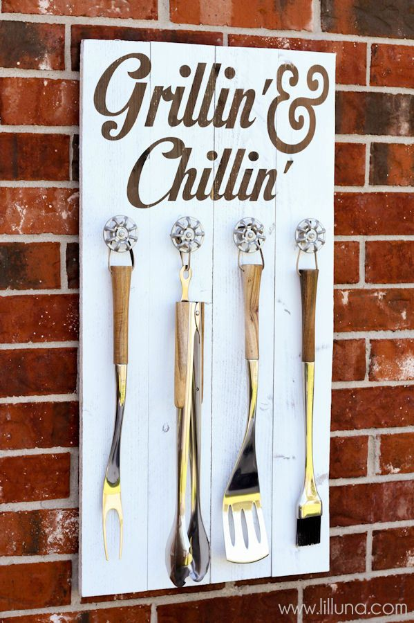 DIY Grill Set Holder - Grillin' and Chillin' Sign Tutorial