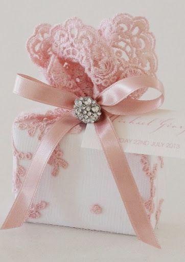 Elegant gift wrap | ... ribbon in colors like pale pink, ivory, ... | Elegant Gi...