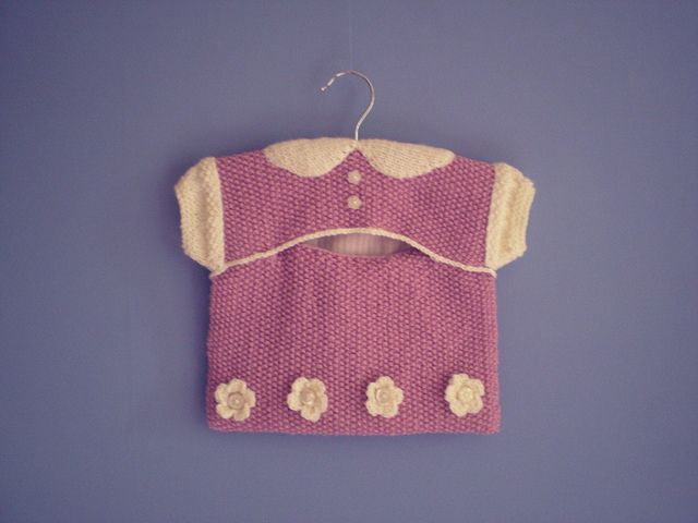 Peg Bag - This pattern is available as a free Ravelry download. This peg bag is ...