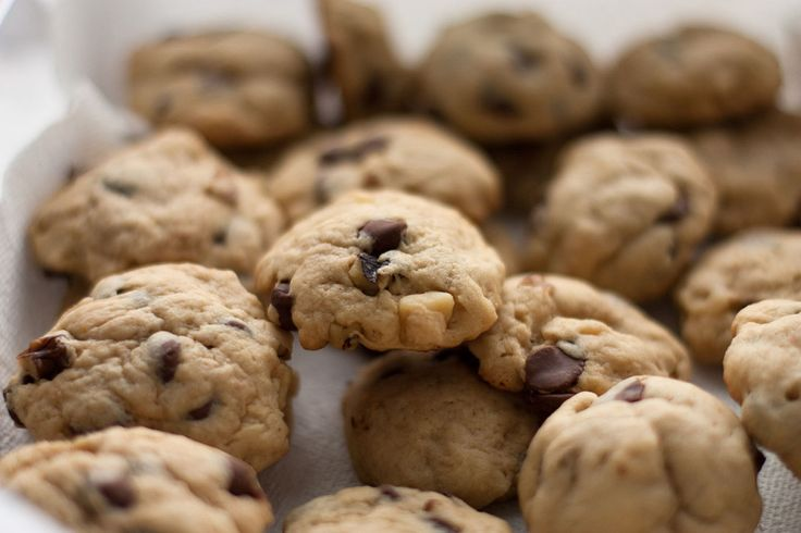 Chocolate chip cookies may be the very best gift to remind our homesick freshman...