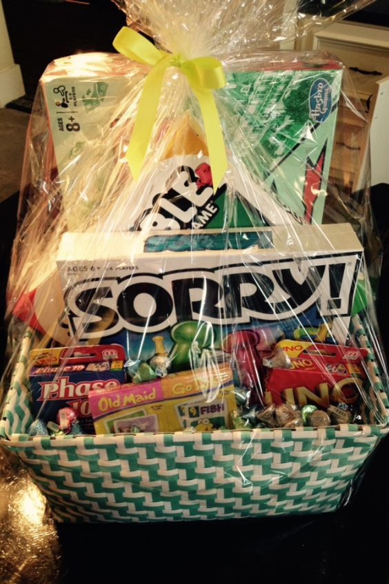 Basket Gifts 20 Diy Christmas Basket Ideas Families For