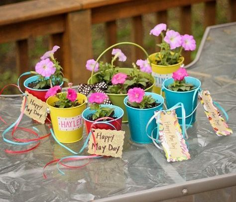 Basket Gifts : These would be so cute