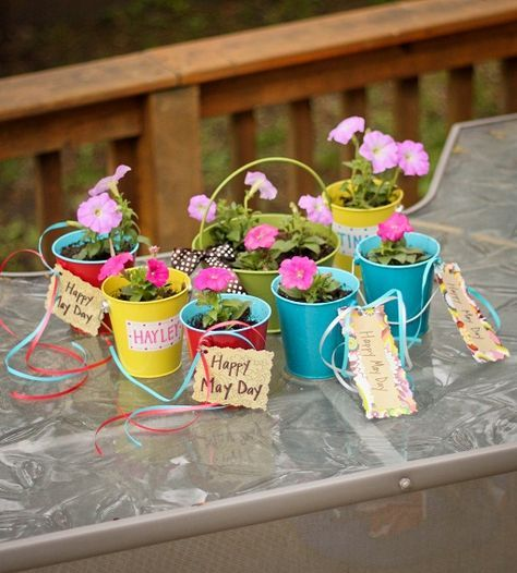 These would be so cute to take to a nursing home or rehab center! Good idea for ...