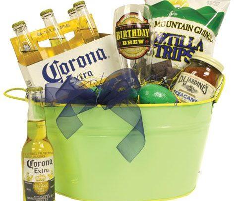 Basket Gifts : a #Guys #Gift basket. beer. mug. chips. salsa.