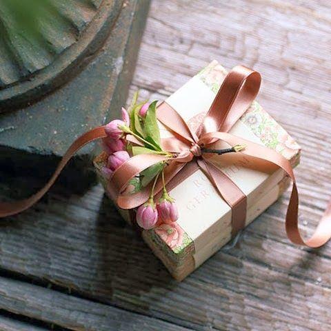 Champagne & Macarons: Beautiful Inspiration: Christmas Gift Wrapping