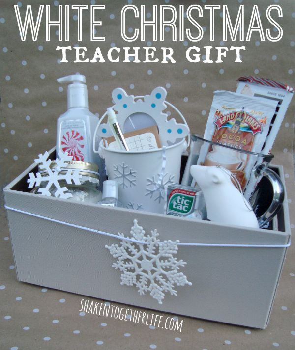 Dreaming of a White Christmas Teacher Gift Idea with Rubbermaid!