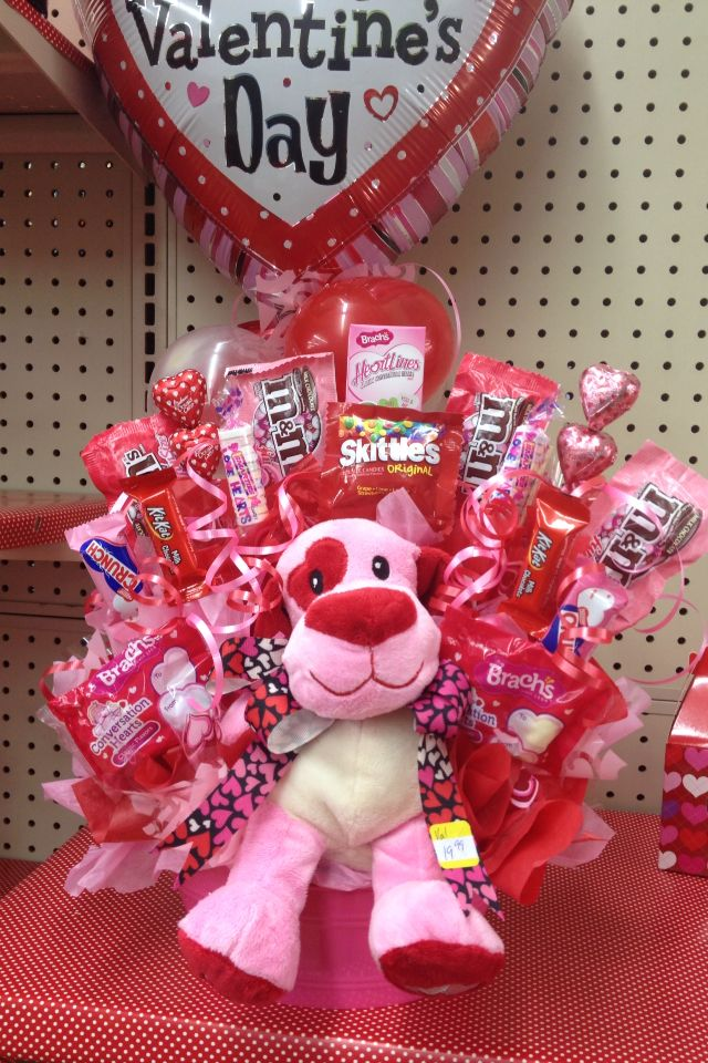 This would be perfect for an EASTER basket using a stuffed bunny - love the stuf...